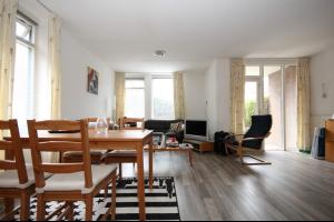 Bekijk woning te huur in Groningen Petrus Campersingel: Moderne benedenwoning met carport nabij UMCG! - € 925, 55m2 - 333304