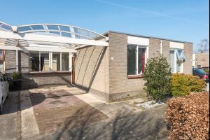 Bekijk woning te huur in Almere 's-Gravenhagehof, € 950, 100m2 - 322601. Geïnteresseerd? Bekijk dan deze woning en laat een bericht achter!