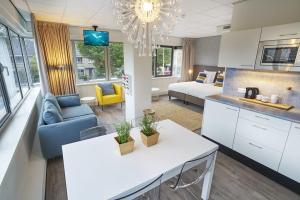 Bekijk appartement te huur in Badhoevedorp Meidoornweg, € 2070, 25m2 - 323702. Geïnteresseerd? Bekijk dan deze appartement en laat een bericht achter!